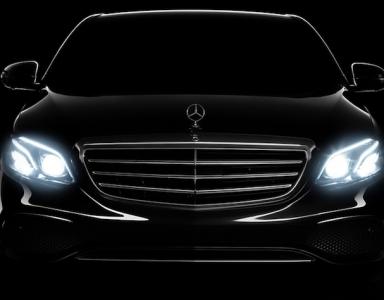 Cho thuê xe Mercedes đi lại làm việc gặp đối tác